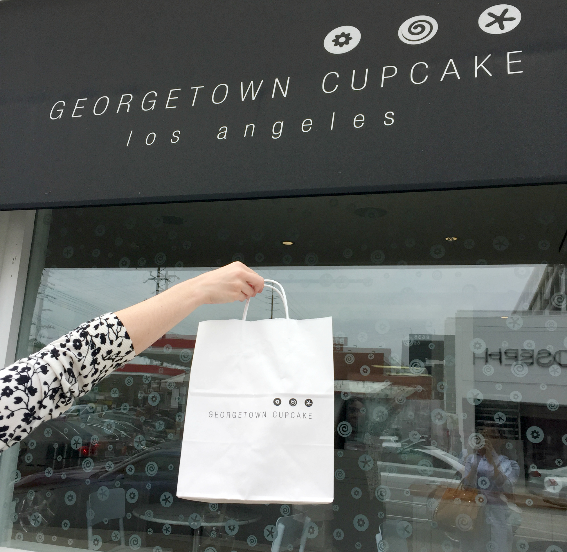 Georgetown-Cupcakes-store-front