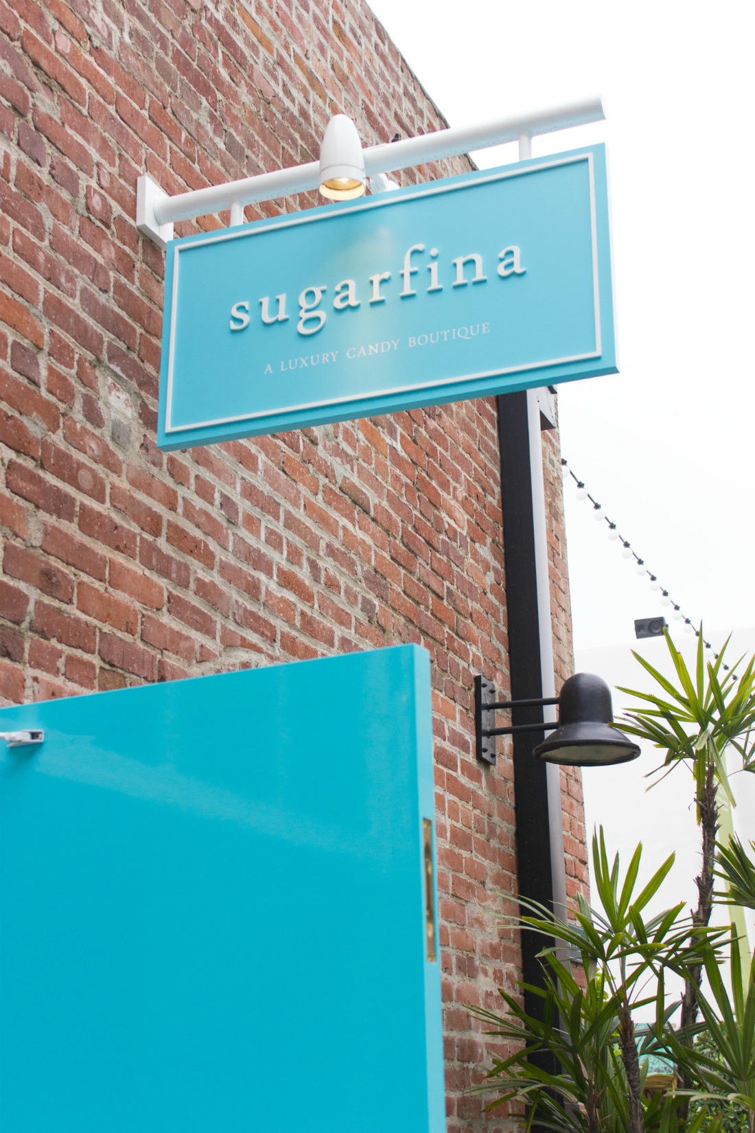 Sugarfina-sign