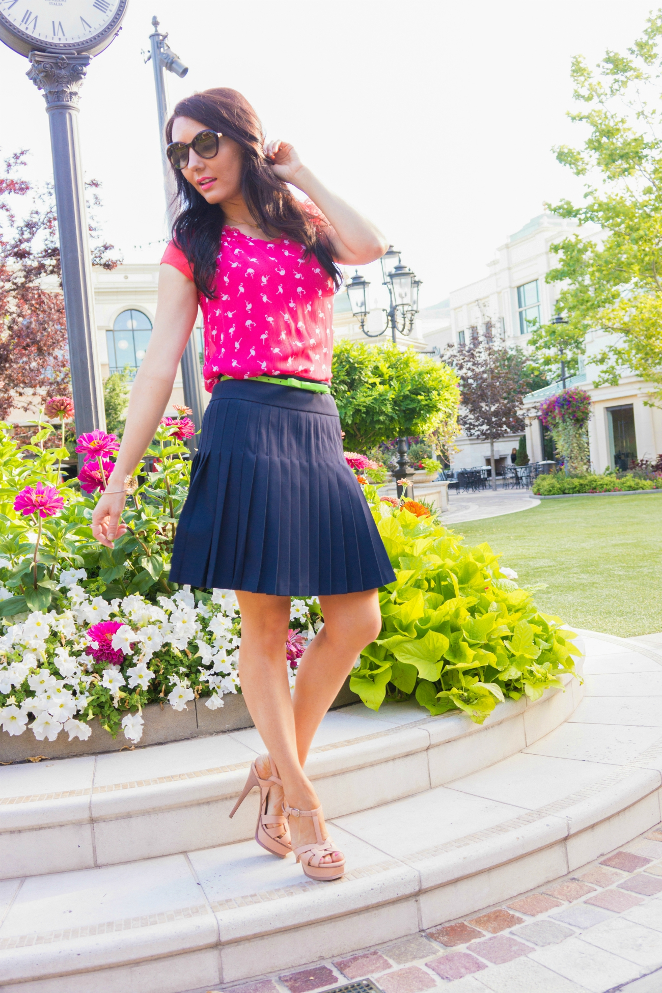 The Sugared Lemon flamingo summer outfit and pleated skirt