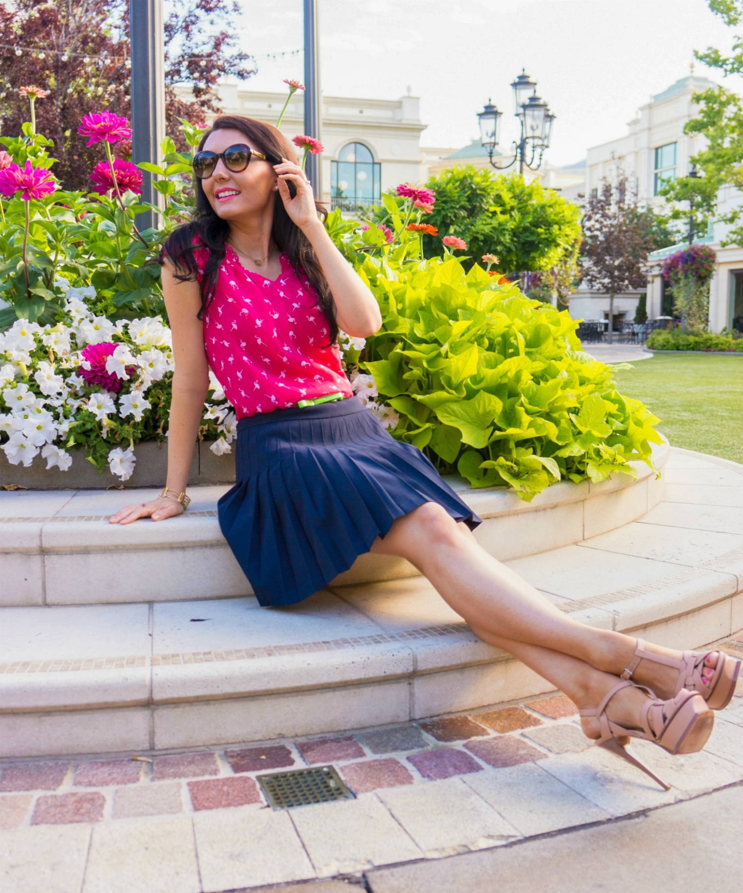 The Sugared Lemon flamingo trend summer time chic outfit