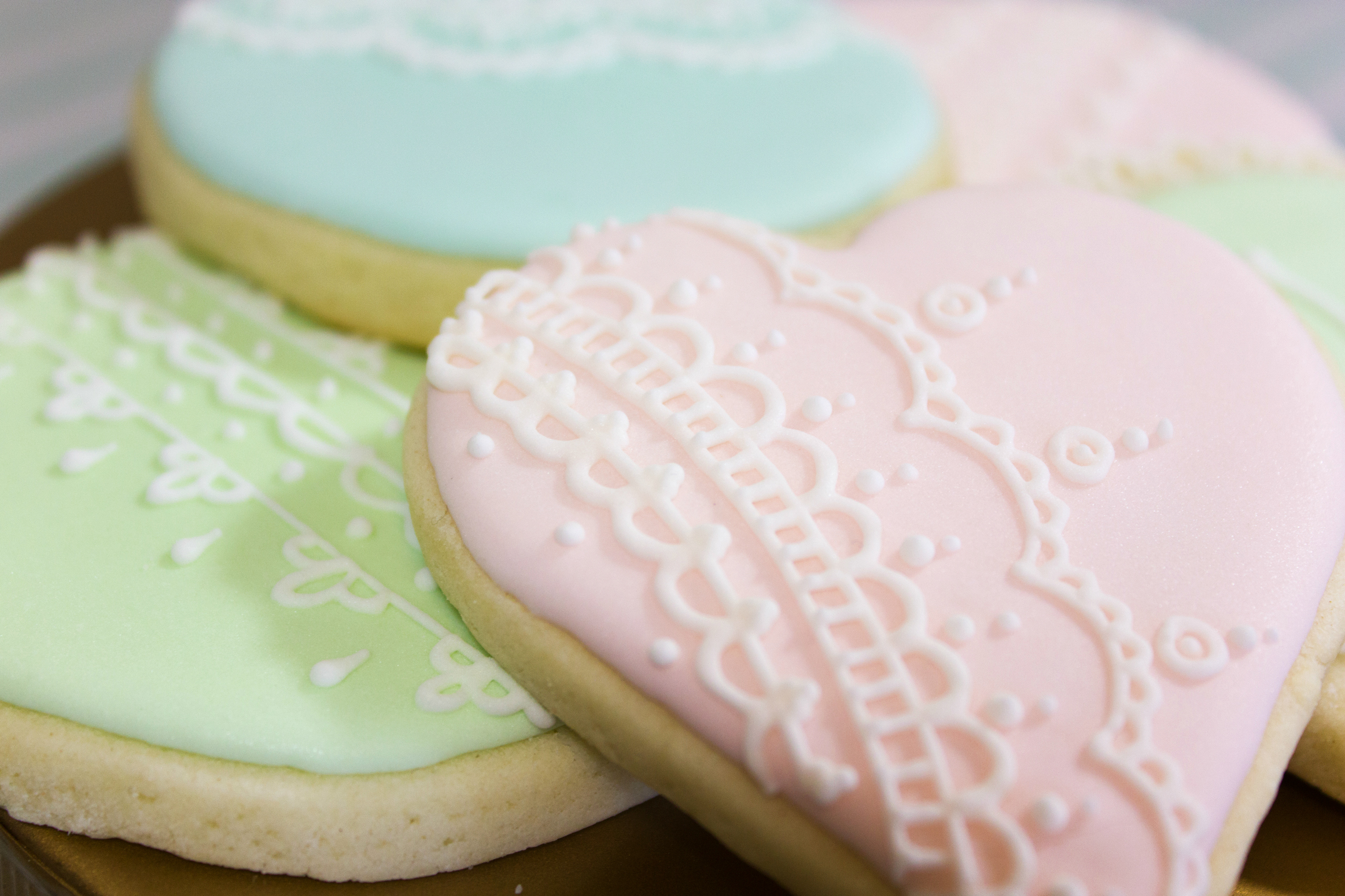 Laduree inspired lace icing cookies