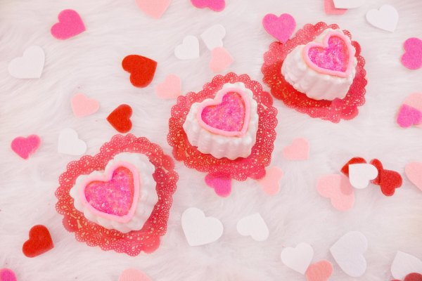 wilton mini heart cakes